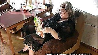Reading Porn Makes This Mature Slut Horny