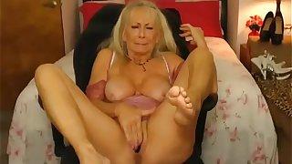 Sexy granny cumming hard on cam - sluttycams.net