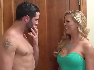 Hard to resist neighbor hot Mom