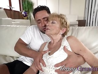 Granny slut facialized after fucking
