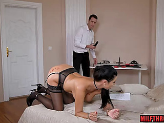 Brunette Hair mother i'd like to fuck anal and cum in face hole
